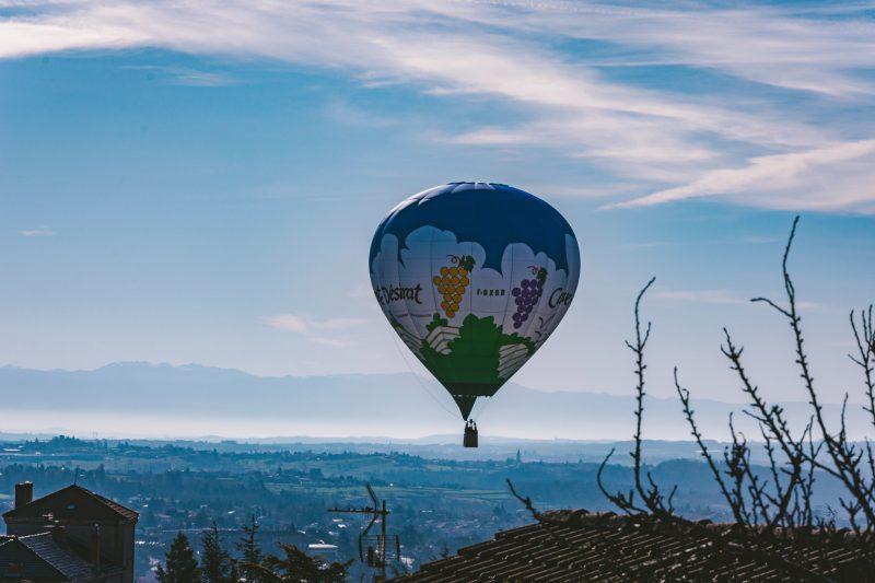 montgolfière ballon ciel terre mer