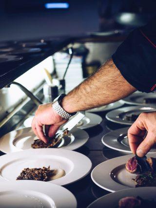 catering hands food