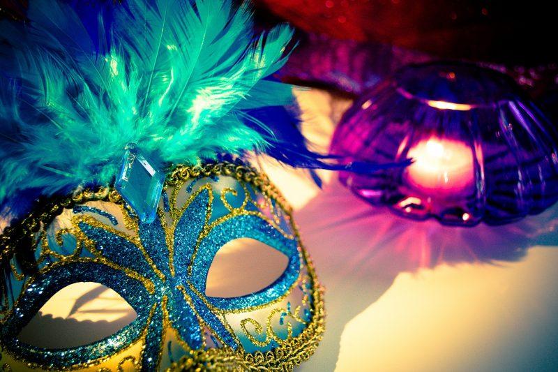 masque venitien bougie violet bleu doré